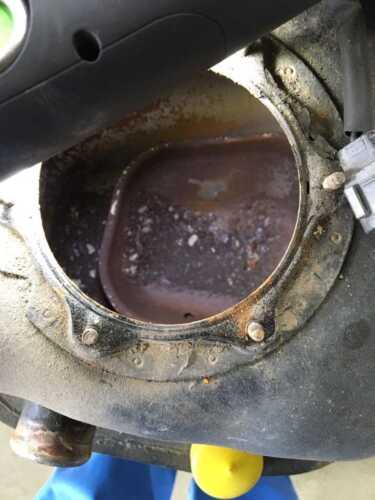 U62Tミニキャブ修理完了。タンク内の錆による燃料詰まり